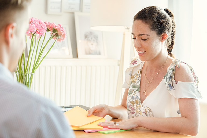 Stefanie Diem beim Mentaltraining mit einem Kunden