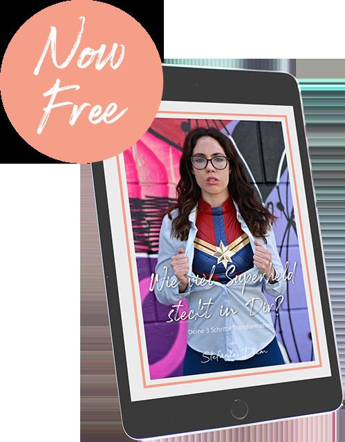 Cover von Stefanie Diem Workbook Superheld auf Tablet mit Gratis Leseprobe